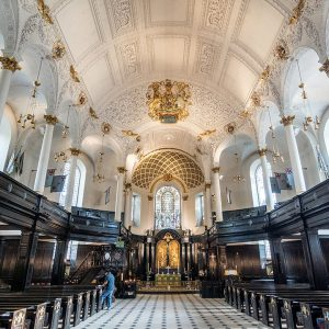 St Clement Danes Church on the Strand London Photo Walks